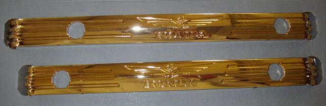 Barres dorées de couvre culasse