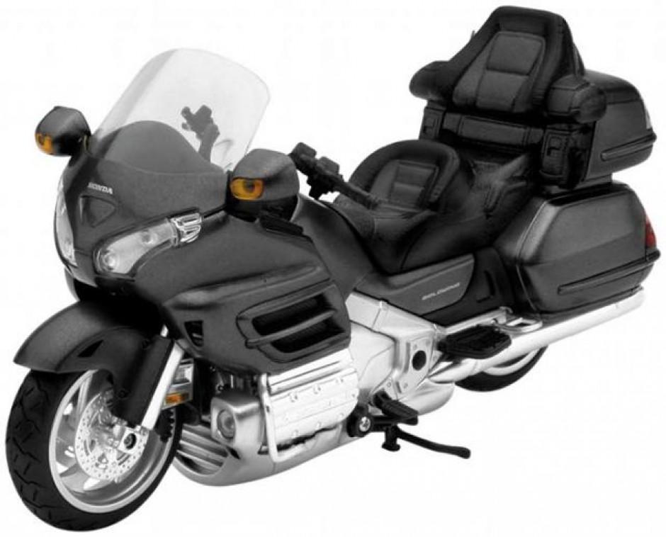 maquette moto goldwing 1800. Black Bedroom Furniture Sets. Home Design Ideas